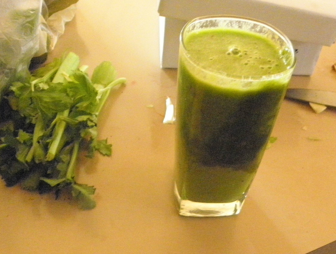glass of green smoothie recipes