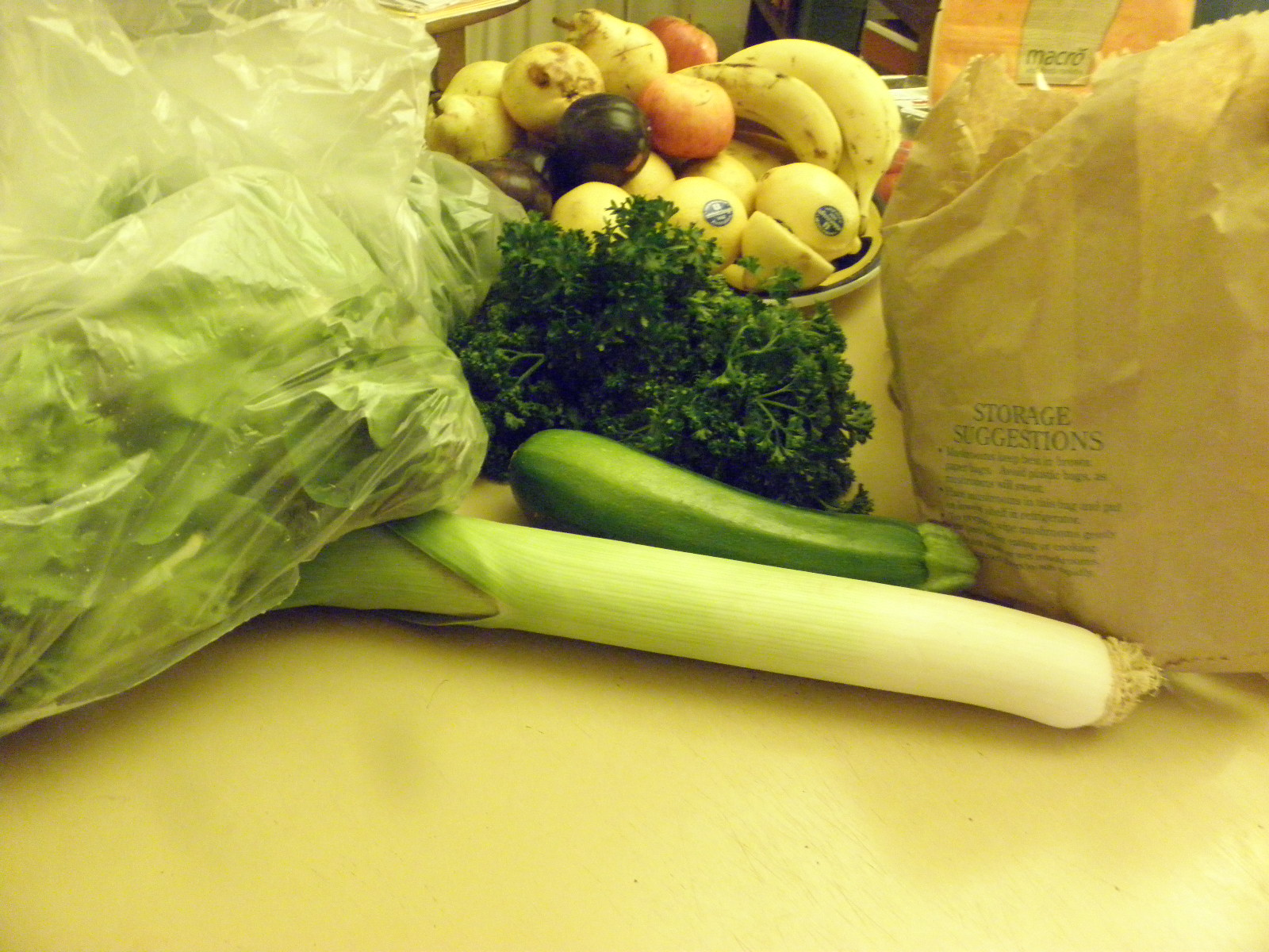 parsley, leek, fruit bag of mushrooms, lettuce