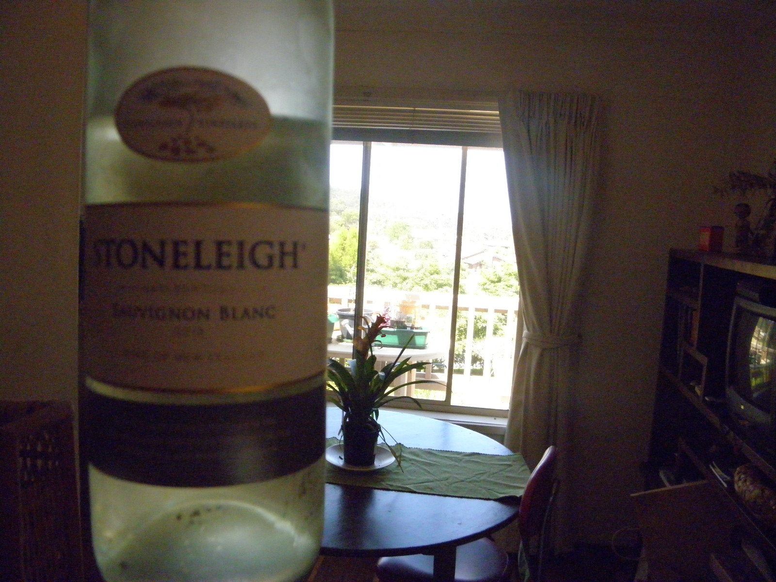 bottle of stoneleigh sauv blanc