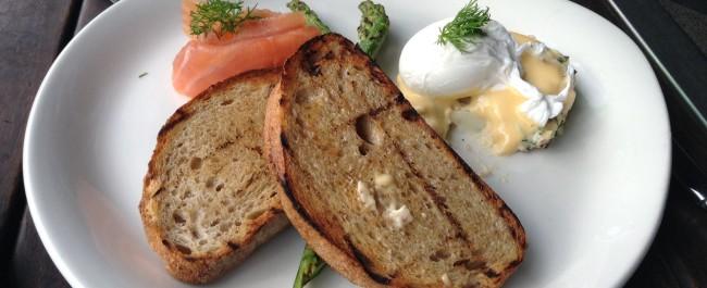 Smoked salmon, poached egg, hollandaise, asparagus