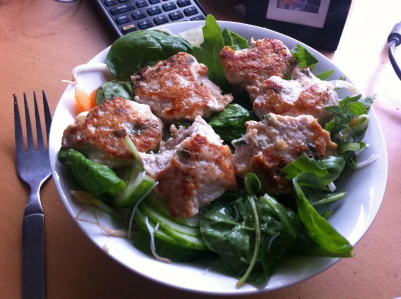 chicken bun cha and salad