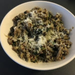 Quinoa risotto – with mushrooms, leek and spinach