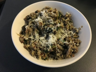 quinoa risotto with mushrooms, leek and spinach