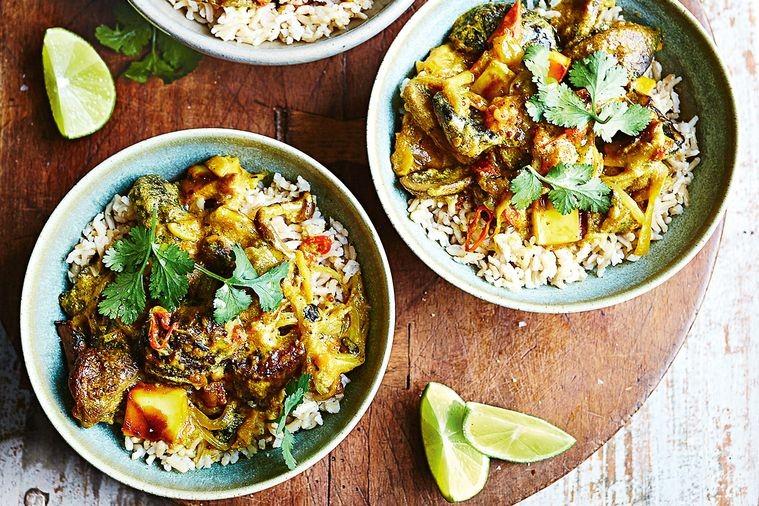 winter seasonal flexitarian recipes - mushroom and paneer curry