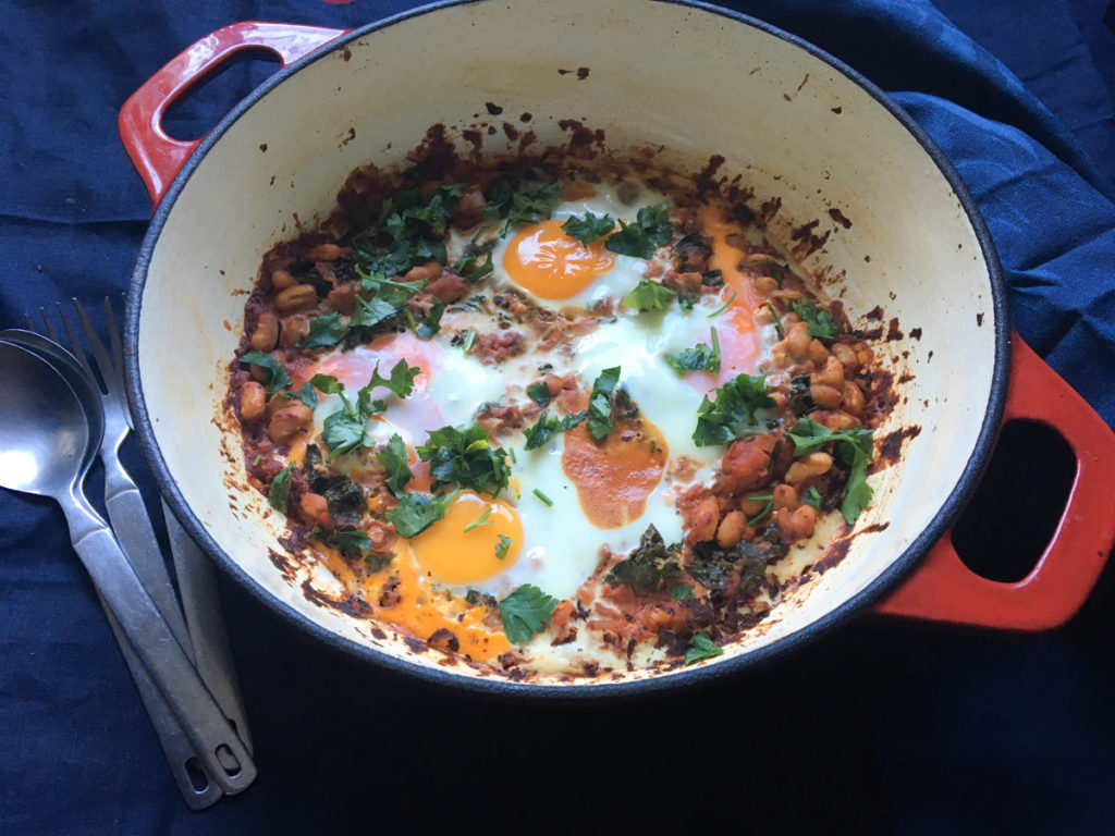 winter vegetarian recipes low carb - vegetarian shakshuka - middle eastern baked eggs