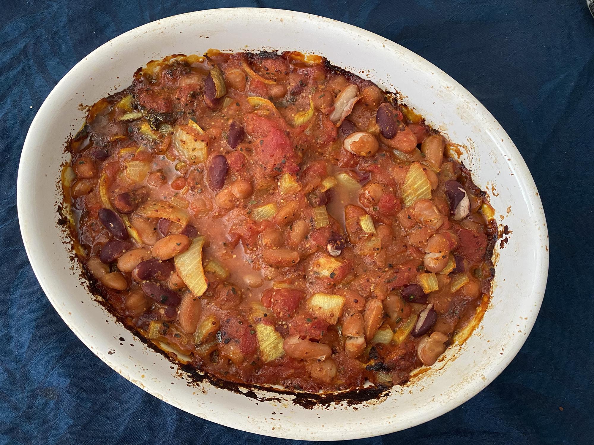 vegan baked beans to eat for breakfast, lunch or dinner